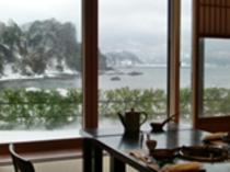 お食事処の雪景色