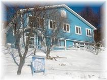 冬の青空の扉