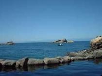 海を眺めながらの共同赤井浜露天風呂