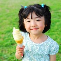 ソフトクリームと女の子