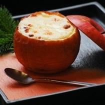 織花の人気メニュー『信州リンゴグラタン』♪(ご夕食一例)