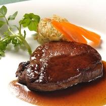 ディナーメイン料理イメージ ステーキ