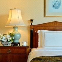 シーリー社製のベッドでお休みください。