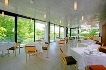 東館ガーデンレストラン(レストラン内)