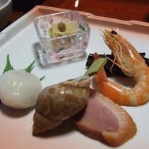 旬の山菜や川魚など季節の味覚をお愉しみ下さい。