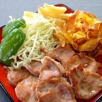 *【夕食一例】素朴で滋養たっぷりの地元産の食材をふんだんに味わえます。