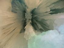 内部の氷柱(つらら)