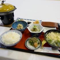 【ご朝食一例】朝食は量は控えめに優しい和朝食