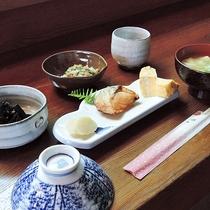 【朝食一例】身体にやさしい和定食をご用意します。
