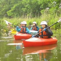 夏のカヌー体験はいかがでしょう?