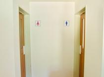 お手洗いは各階フロアにあります