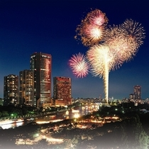 ◆夏/天神祭といえば帝国ホテル大阪。毎年賑わいを見せます。