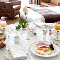 ●カップルにおすすめ!ルームサービスで2人きりの朝食を。