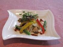魚料理例・・スズキのソテーバルサミコソース