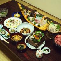 【夕食一例】 漁民に伝わってきたおいしい調理法から斬新な料理まで主人が腕を揮います