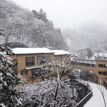 ■冬の施設外観