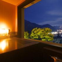 *[湯ノ坂館]露天風呂付客室「湯翠」/お部屋の露店風呂からも、湯沢の景色が楽しめます