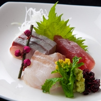 【新鮮魚介の3種盛り】