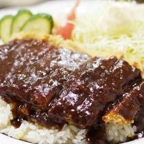 *夕食一例/根室で有名な【エスカロップ】名前の由来はフランス語で「肉の薄切り」です。