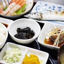 *夕食一例/北海道ならでは!魚介を中心としたメニューでございます。