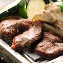 ☆料理_夕食_鹿肉石焼 (3)