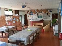 食堂とフロントロビー
