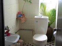 1階女性用お手洗い