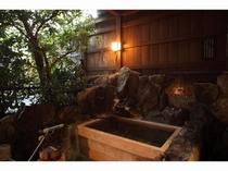 客室・檜露天風呂