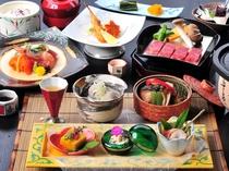 和泉荘名物・牛の温石焼きをメインに、信州サーモンの御造りや冬の御馳走がずらり。2016