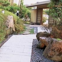 石畳の玄関