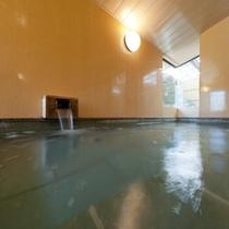 朝日に輝く大浴場