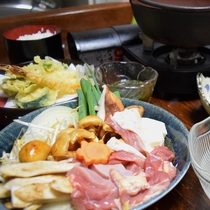 【夕食】≪鶏すき焼き鍋≫ 大和肉鶏使用