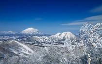 ルスツの山々」