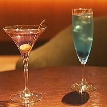 ■バーラウンジで世界の銘酒をお楽しみください
