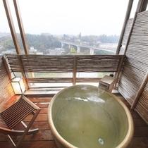 【楽山館】 客室露天風呂一例