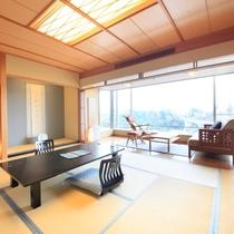 楽山館は和室も広々と窓も大きな造りになっております