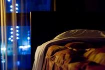 部屋(夜)