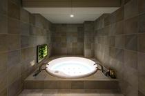 【スイート813号室】バスルームイメージ