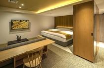 712号室『銀杏』/黄金色の空間が煌びやかさを演出。