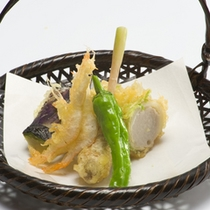 *【夕食例】お客様の目も舌もお楽しみ頂けるようこだわっております。