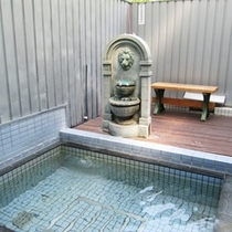 【貸切露天風呂一例】:打たせ湯1♪