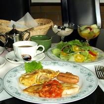*ロイヤルシルクインコース朝食一例