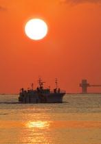 勝浦漁港の夕日