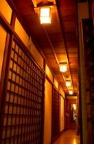 本館1階廊下