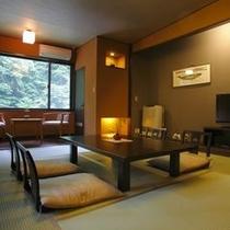 渓流沿いの和室すずらん亭。8畳のトイレ付き和室。目の前には渓流と星降るガーデンが。環境抜群