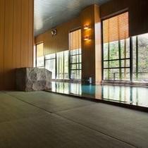 お座敷風呂 防菌防カビの特殊素材の畳風呂 2001年当館が全国に先駆けて