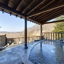 *展望露天風呂/ すがすがしい風を受けて素晴らしい眺め、最高の露天風呂をお楽しみ下さい。