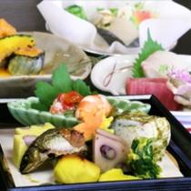 10月は松茸入鰆鍋!!『毎月旬の素材を吟味した』秋らしい味わいをいかがどす!!無料駐車場有!!