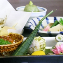 5月は竹の子の天麩羅!!『毎月旬の素材を吟味した』京会席 初鰹のお造りも!!