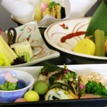 4月は朝掘り竹の子!!『毎月旬の素材を吟味した』京会席 春が旬の白魚を玉締めのお鍋にしまた!!